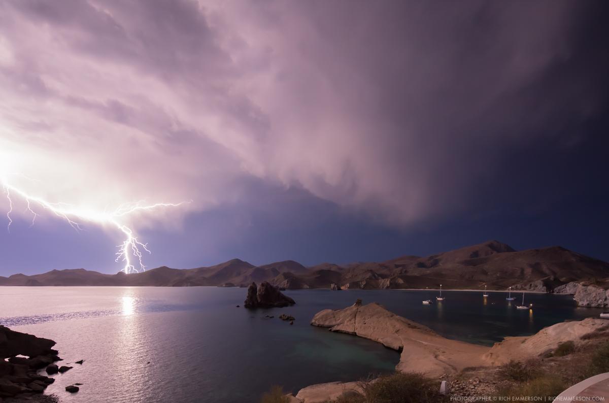 Lightning strike north of Loreto - Photographer - richemmerson.com