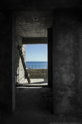 Building development in Loreto Bay