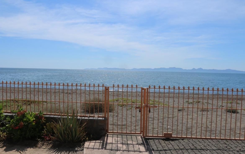 beachfront in costa Loreto