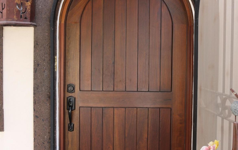 Casa Blanca door houses