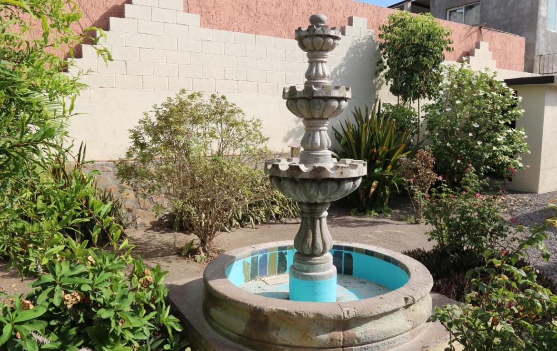 Casa Blanca fountain houses in loreto
