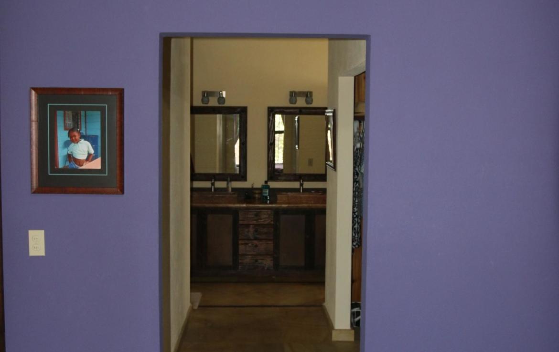 Casa Blanca purple paint
