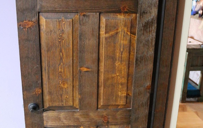 Casa Blanca brown door