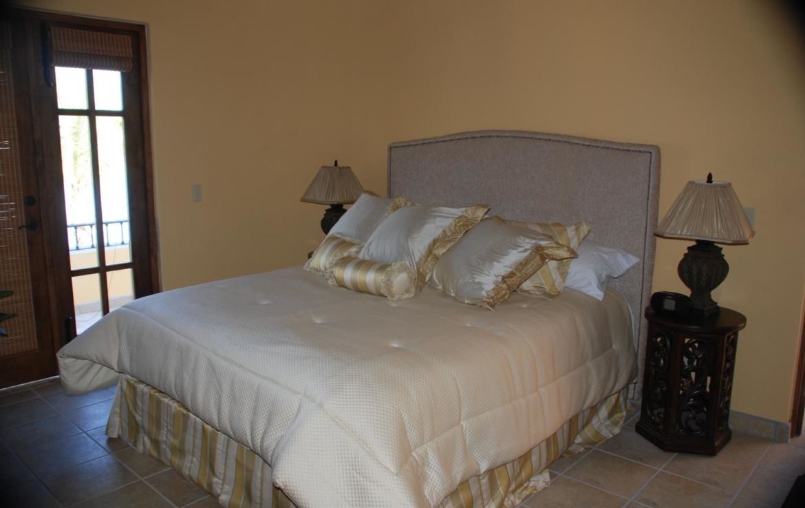 buy house in loreto