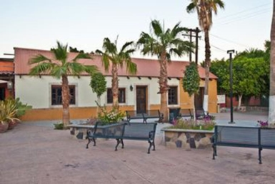 Loreto Papagayos restaurant and house for sale