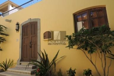 buy Casa Porton house in Loreto