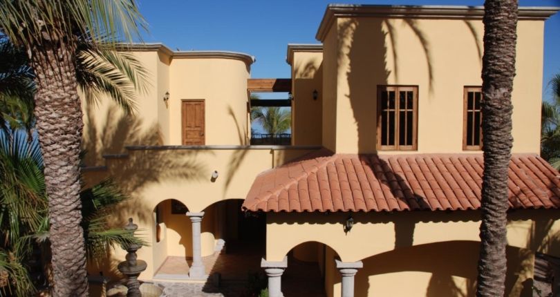 Procedure Of Selling Houses In Loreto Through A Real Estate Agent And By Yourself